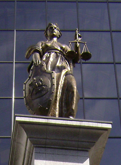 statue of Femida